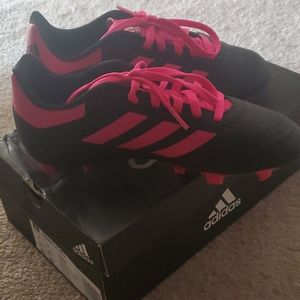 Adidas girl's soccer shoes